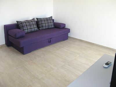 Photo for Cosy apartment for 5 guests with WIFI, A/C, TV, balcony, pets allowed and parking