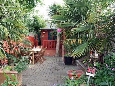 Photo for The Palms - a pleasant  and spacious holiday home for 8 - 10.