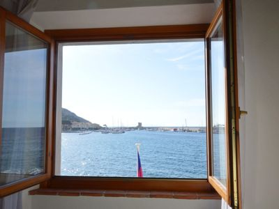 Photo for Central Apartment near the Beach and with Sea View