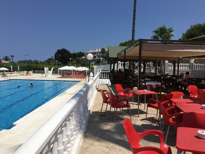 Pool and restaurant with delicious food.