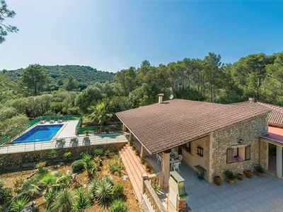 Photo for Tranquil villa surrounded by beautiful gardens located close to historic towns