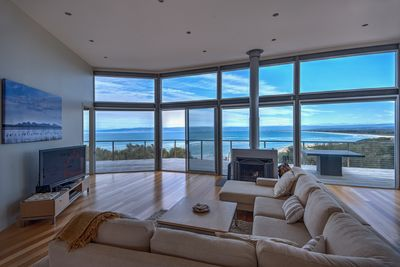Luxurious property with stunning ocean views