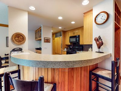 Photo for 4th floor mountain lodging w/ shared pool, balcony, wood-burning fireplace