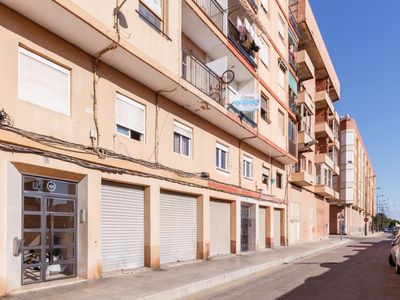 Photo for Apartment Puerto in València - 6 persons, 3 bedrooms