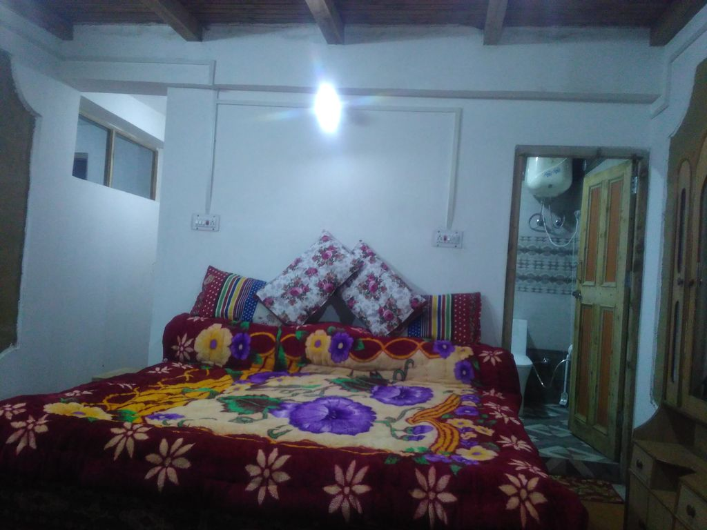 DS homedtay its situated in apple garden neat and clean big rooms ...