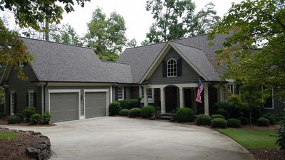 Photo for Lake Front & Golf Course View 4 Bed/4.5 Bath in Reynolds!