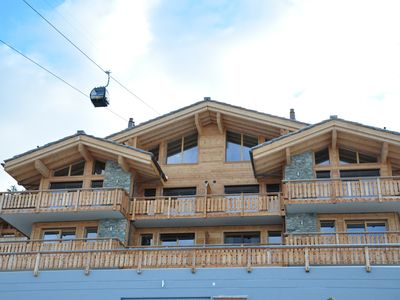 Photo for Modern, sunny, luxury 5 * Ski In, Ski Off Apartment on the slopes (3 bed, 3 bath)
