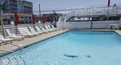 Photo for Wildwood Crest 1 BR condo w/ pool. Sleeps 6. Linens, towels, chairs, & bikes.