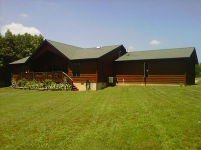 Located In The Foothills Of The Ozarks, Enjoy A Peaceful Setting At The Lodge.