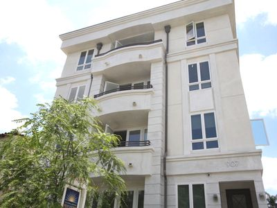 Photo for Beverly Hills Adjacent Luxury Condo