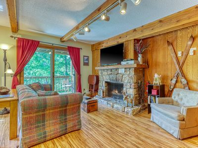 Photo for Mountain-side condo w/ private covered balcony - close to lodge!