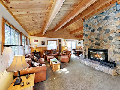 Charming 3BR Big Bear Cabin w/ Slope-View Deck & Foosball, Near Skiing & Golf