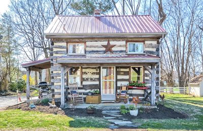 Photo for Vintage cabin in the ❤️ of Middletown , MD.  Pet friendly and prime location.