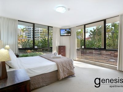 Photo for Surfers Paradise, Best Beach In The World Unit 03, Massive 3 Bedroom Apartment