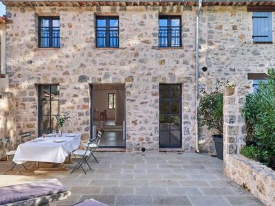Photo for Luxurious charming 18th century house with a large terrace in the Provençal village