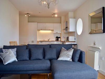 Photo for 2 Bedroom Flat By The Canal