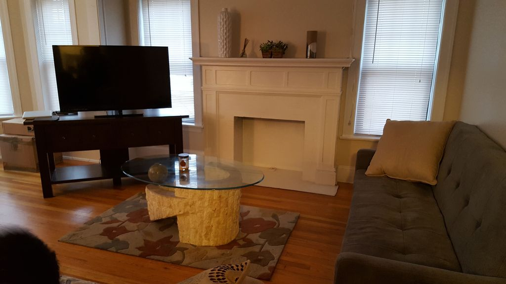 Large Room in Evanston near Northwestern University