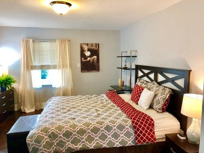 Photo for Beautiful Remodeled Homey in Trendy Silverlake - Perfect Retreat