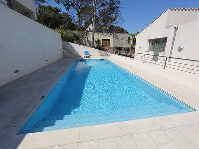Photo for House with WiFi + pool + air conditioning a few meters from the beach