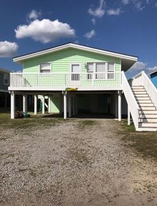 Photo for Second Row Beach House    3 Bedrooms 2.5 Baths (sleeps 8) Oak Island, NC