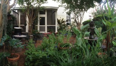 Large Garden and screened porch.