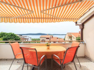 Photo for Two bedroom apartment with terrace and sea view Medulin (A-7495-a)