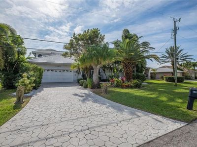 Photo for 2 Story large waterfront pool-SPA direct access home/villa SWCape Coral,florida