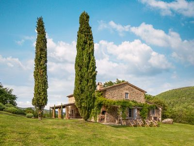 Photo for First class country villa with WIFI, pool and A/C in Tuscany's most desired area