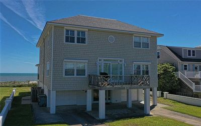 Photo for Vance Cottage: 5 BR / 4.5 BA house in Atlantic Beach, Sleeps 10