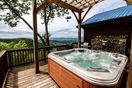 Cloud 9 Hot tub over looking mountain views