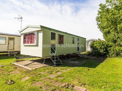 Photo for 6 berth caravan for hire in Seawick holiday park in Essex ref 27119