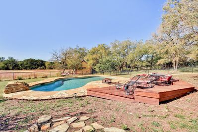 Wide Open Spaces: Country Home w/ Waterfall, Swimming Pool, Guest House -  Austin
