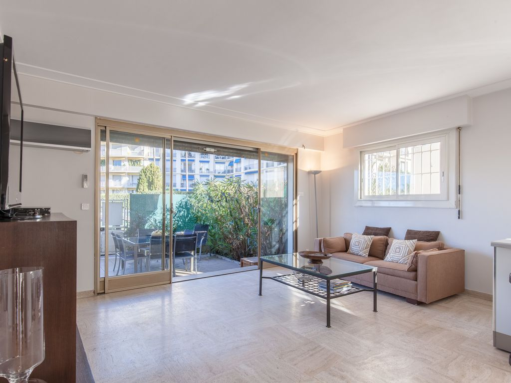 Chic And Modern Apt With Terrasse La Croisette Provence Hotels
