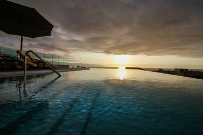 Pool view to the sunset