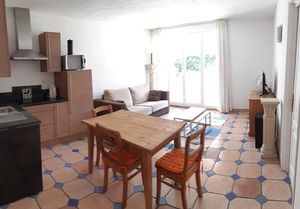 Photo for 1 bedroom holiday apartment, fully equipped for 4 people