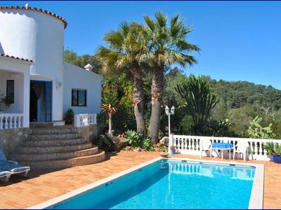 Photo for Quiet villa with large garden, pool and fabulous views