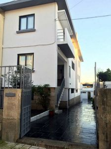 Photo for Apartment 4 bedrooms (2) - Porto