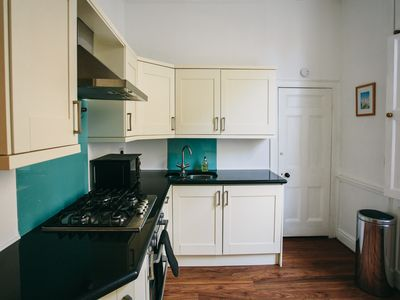 Photo for Garden maisonette in Bath centre with free parking