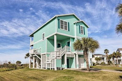 Escape to this 4-bedroom, 4-bath Galveston vacation rental home!