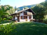 A very comfortable mountain property with beautiful vistas. A very enjoyable stay.