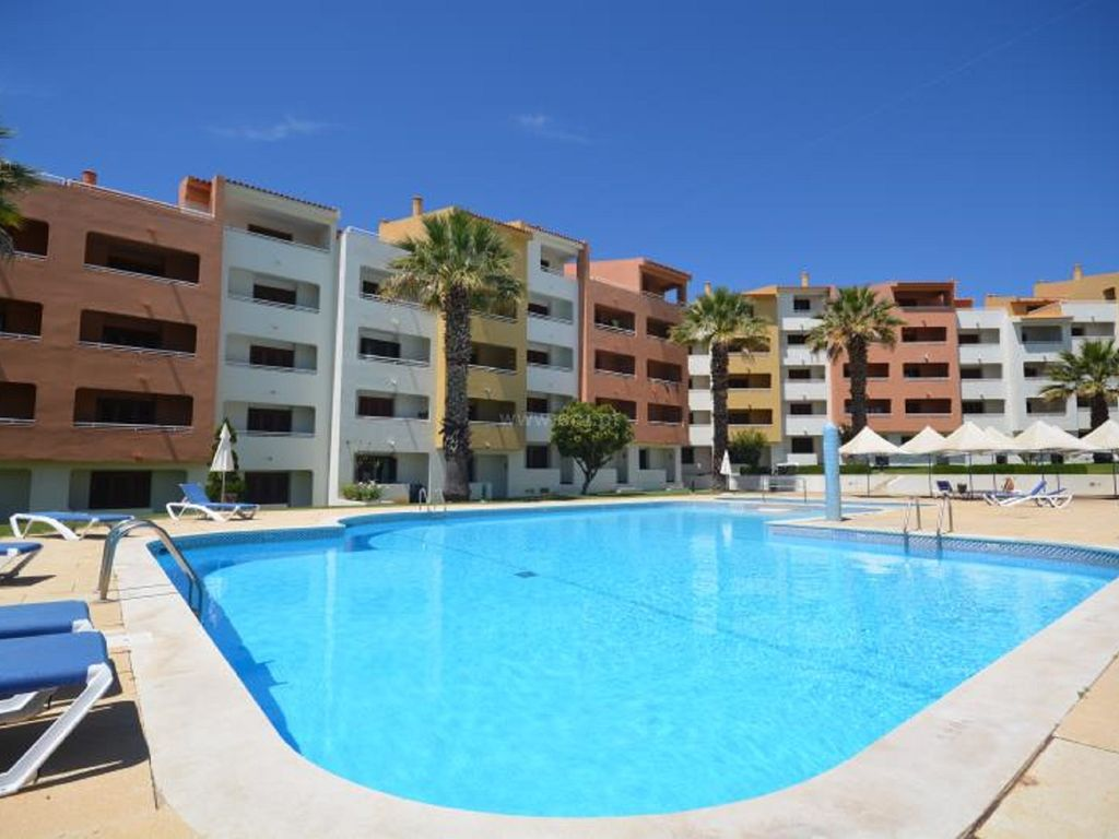 Very nice luxury hotel apartment with swimming pool albufeira algarve for Nice hotels with swimming pool