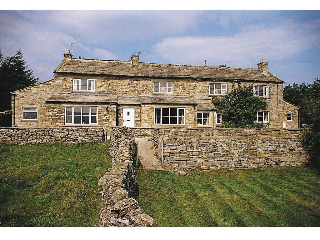 2 bedroom property in Leyburn.