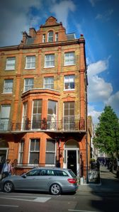 Photo for Bright 2 Bedroom 3rd floor  apartment in heart of Marylebone Village