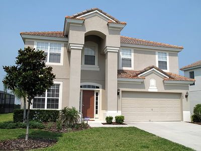 Photo for 6 bed in Windsor Hills, 5 minutes to Disney