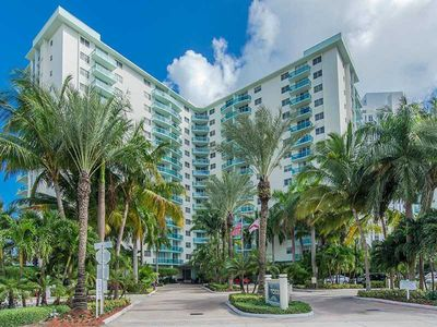 Photo for Miami Hollywood New Two Bedroom with Ocean Views