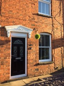 Photo for Arden Holiday Lettings Stratford Upon avon with parking sleeps 4/5