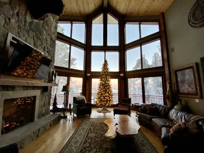 Spacious lodge with best views! Wi-Fi, Hot tub, A/C, Foosball & Shuffleboard