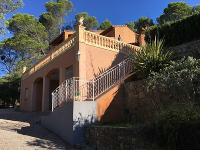 Photo for Provencal villa with panoramic views and private pool
