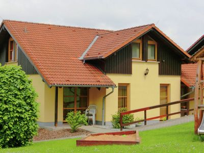 Photo for Well-maintained semi-detached house in Oberlausitz on the edge of the forest with great view