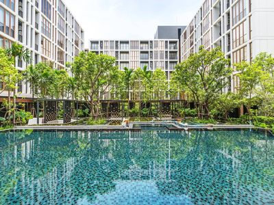 Photo for Natural Condo with Pool/GYM near BTS Onnut